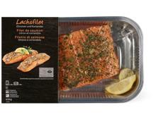 Frischfische und Meeresfrüchte in Backschale