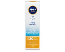 Z.B. Nivea Sun Face Shine Control LSF 30, 50 ml 7.75 statt 12.95