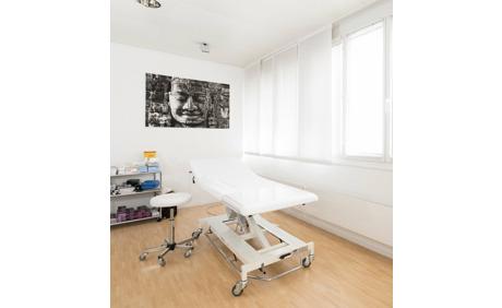 faltenunterspritzung mit hyaluron f r feine falten 70 rabatt deindeal ab. Black Bedroom Furniture Sets. Home Design Ideas