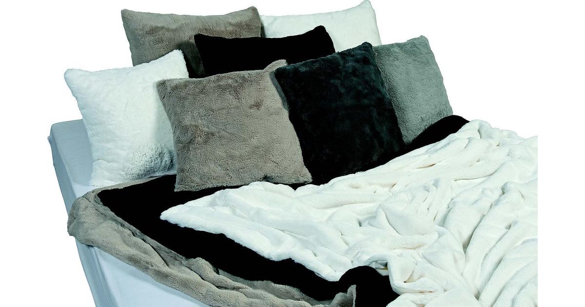 kunstfell aufs sofa otto 39 s ab. Black Bedroom Furniture Sets. Home Design Ideas